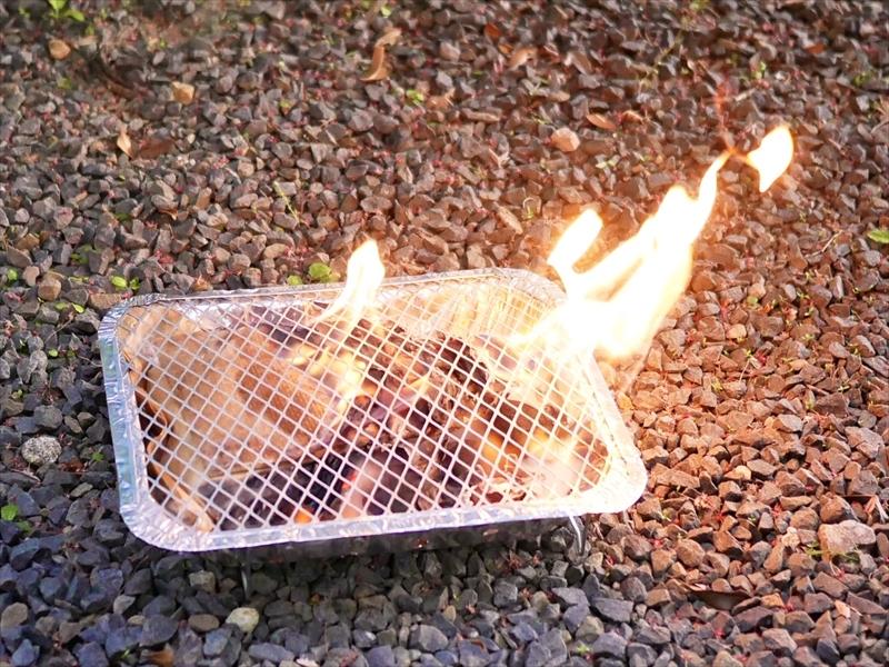インスタントグリルに着火したところ
